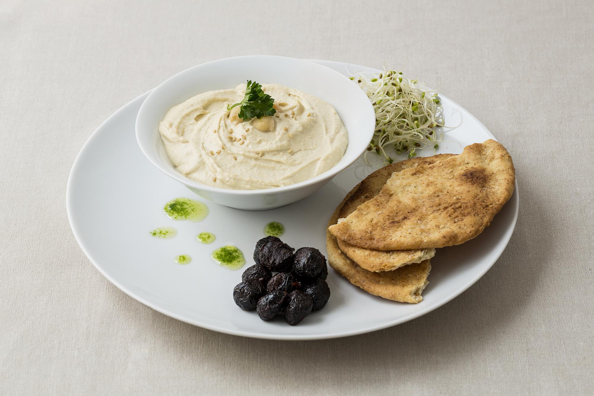 Tortas con sésamo y sal. Receta humus